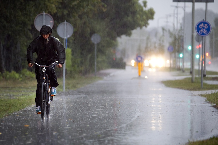 Can I Ride Electric Bike In The Rain?